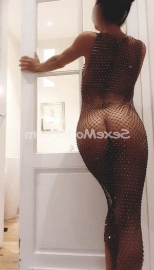Suzana escorte massage érotique à Salies-de-Béarn