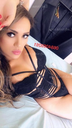 Ursulla escort girl