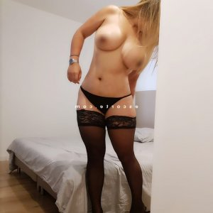 Mahyra escort girl